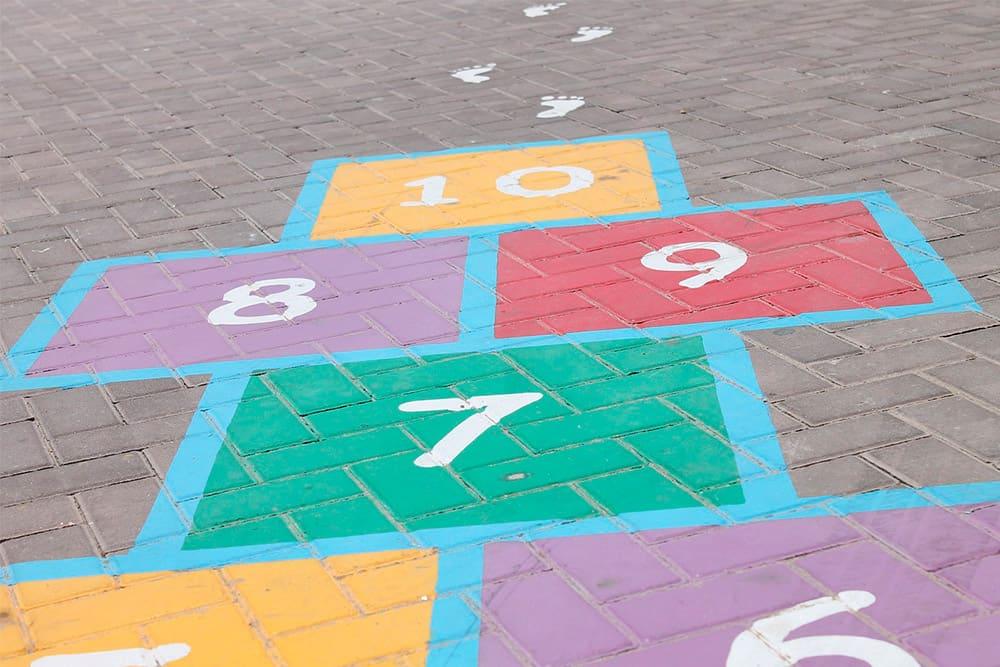 Los niños pueden crecer jugando y aprendiendo a la vez. Te contamos cómo.