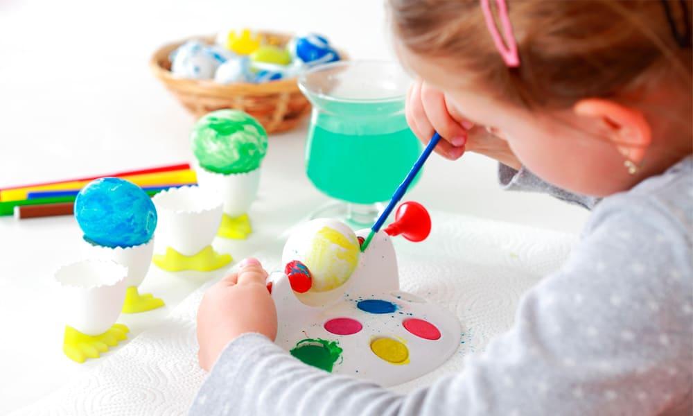 Manualidades fáciles para entretener a los niños en casa