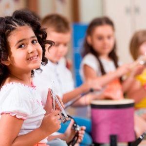 Formarse con el Máster en Musicoterapia para desarrollar actividades y talleres de terapia musical