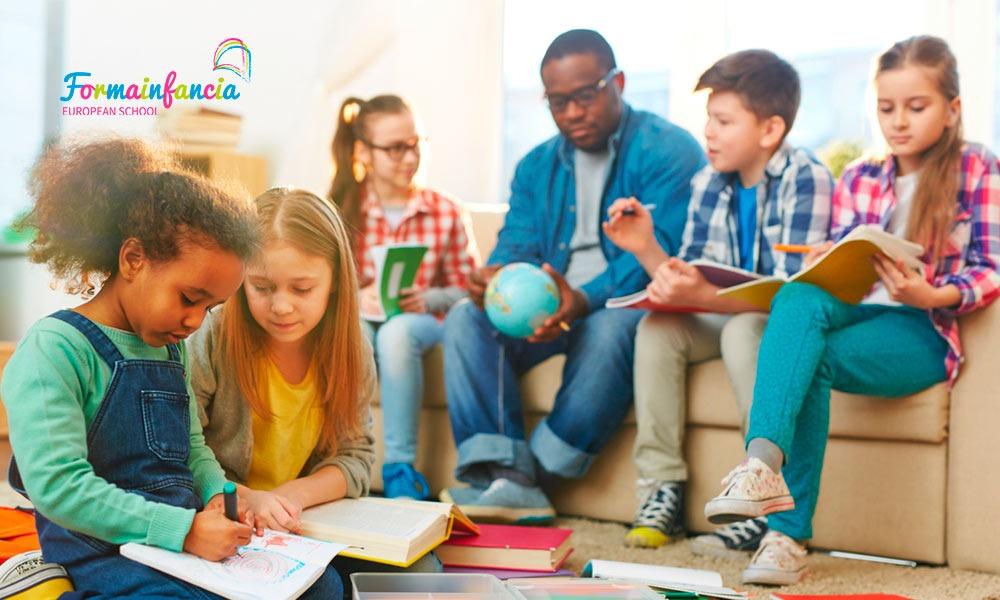 ¿Cuáles son las funciones del mediador intercultural en el ámbito educativo?