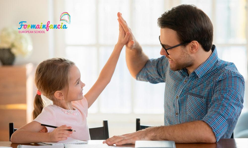 Cómo utilizar el refuerzo positivo para beneficiar a los niños