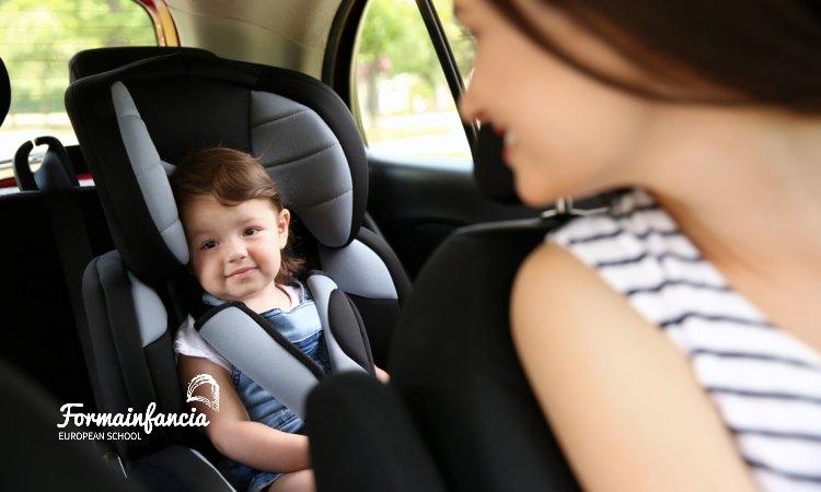Guía completa para viajar con bebés de forma fácil y segura